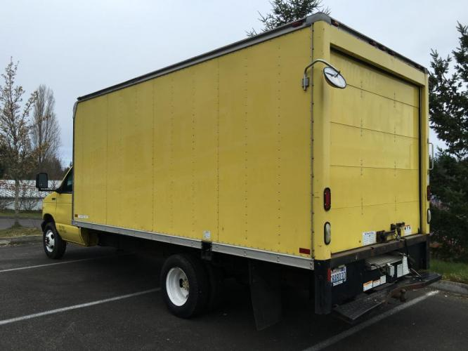 1998 Yellow box truck /Gray Ford Econoline Commercial Cutaway cutaway box (1FDWE37L5WH) with an V-8 engine, Automatic transmission, located at 1283 SE Sedgwick Road, Port Orchard, WA, 98366, (360) 876-9300, 47.505535, -122.635643 - Photo #3