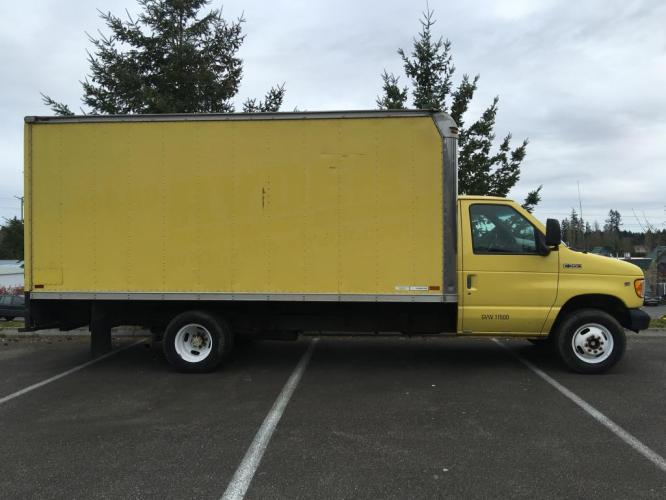 1998 Yellow box truck /Gray Ford Econoline Commercial Cutaway cutaway box (1FDWE37L5WH) with an V-8 engine, Automatic transmission, located at 1283 SE Sedgwick Road, Port Orchard, WA, 98366, (360) 876-9300, 47.505535, -122.635643 - Photo #7