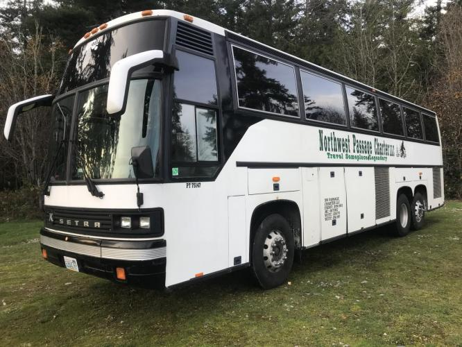 2000 White /Blue Other Transit Bus - (WKK138VC2Y1) , Automatic transmission, located at 1283 SE Sedgwick Road, Port Orchard, WA, 98366, (360) 876-9300, 47.505535, -122.635643 - Photo #0