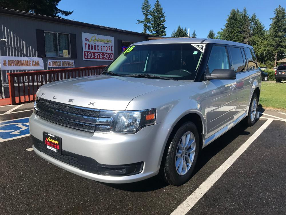 2015 Silver /Black Ford Flex SE FWD ( 2FMGK5B81F) with an 3.5L V6 DOHC 24V engine, 6-Speed Automatic transmission, located at 1283 SE Sedgwick Road, Port Orchard, WA, 98366, (360) 876-9300, 47.505535, -122.635643 - Photo #0